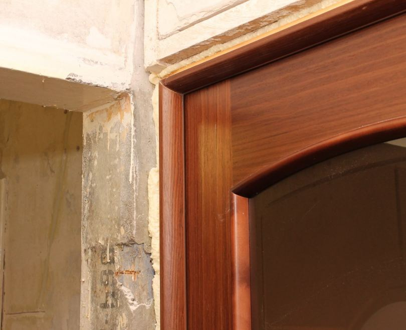 Установка межкомнатных дверей своими руками - все что нужно знать новичку и практические советы с фото