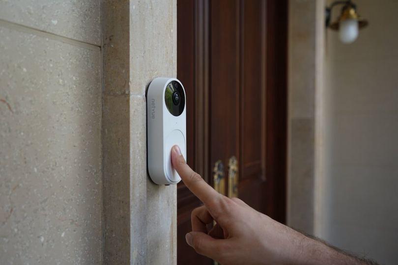 Дверной звонок: выбор, подключение, монтаж традиционных и современных моделей (100 фото)