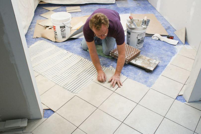 Плиточный клей - какие типы составов лучше и какому производителю можно доверять смотрите в статье!