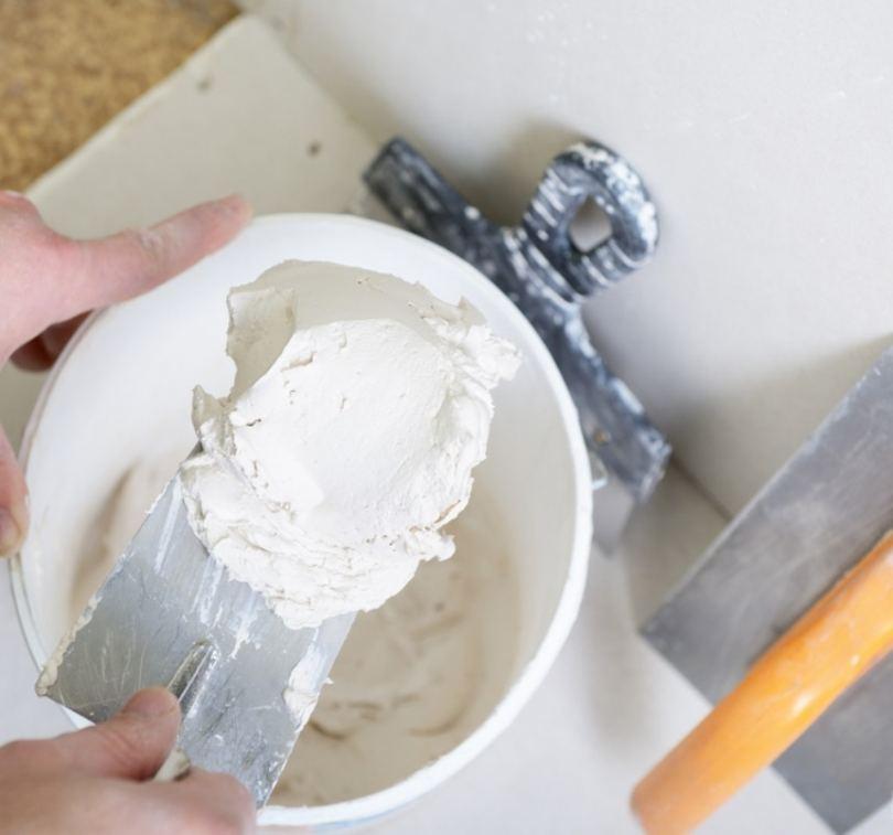 Шпаклевка своими руками: технология нанесения, замес состава и способы его приготовления (115 фото)